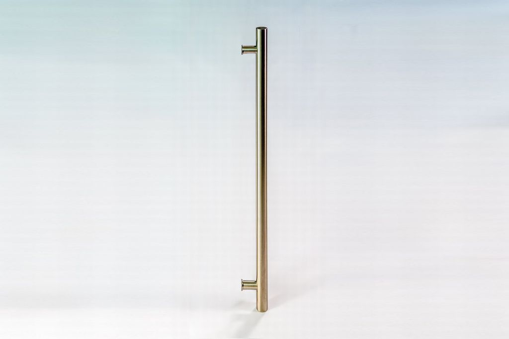 Carnegie Single Side Modern Amp Contemporary Towel Bar Door