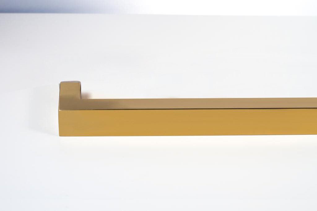 Rockefeller Single Side Modern Amp Contemporary Towel Bar